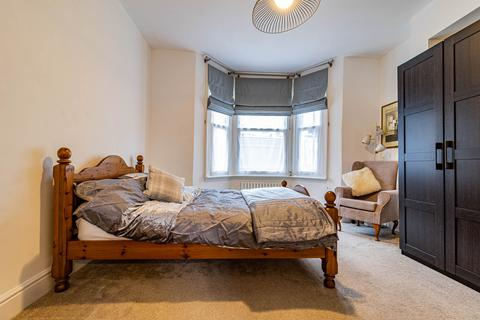2 bedroom maisonette for sale - Arlesford Road Clapham, London, SW9
