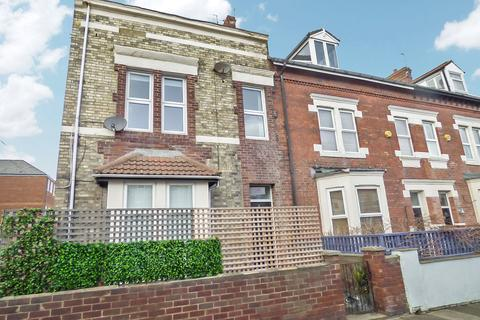 6 bedroom terraced house to rent - Edwards Road, Whitley Bay, Tyne and Wear, NE26 2BH