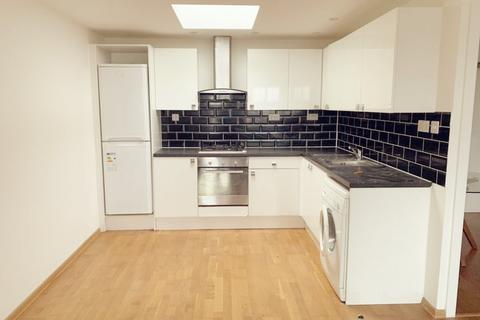 1 bedroom flat to rent - Tolworth Broadway, Tolworth  KT6