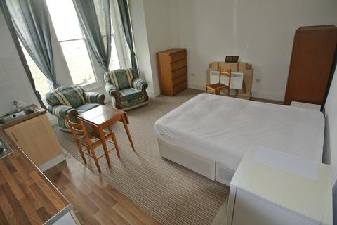 Studio to rent - Wickham Road SE4