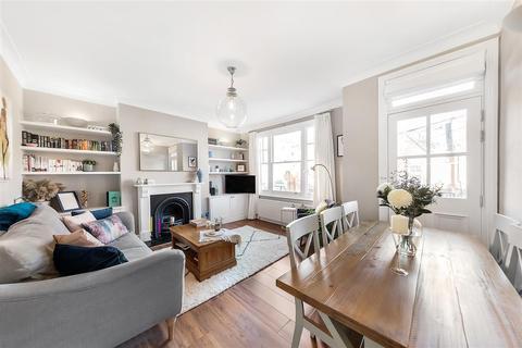 2 bedroom flat for sale - 8 Dinsmore Road, SW12