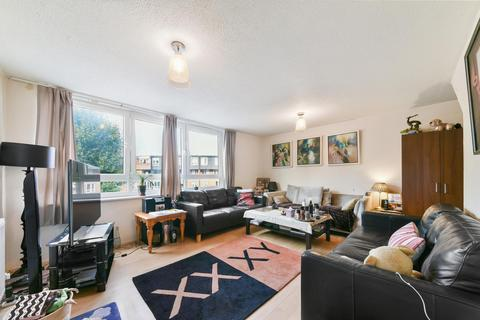 3 bedroom apartment for sale - Bowstead Court, Parkham Street, London, SW11