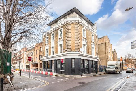 3 bedroom flat to rent - Cheshire Street, London, E2