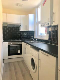 2 bedroom flat to rent - Lea Bridge Road Leyton