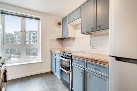 2 bedroom flat for sale - Garter Way, London SE16