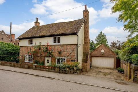 5 bedroom detached house for sale - Church Road, Barton-Le-Clay, Bedfordshire, MK45 4LA