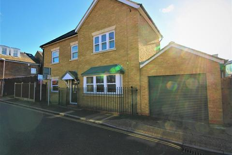 4 bedroom house to rent - Brook Road, Surbiton