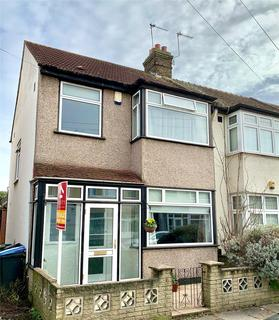 3 bedroom end of terrace house for sale - Clive Road, ENFIELD, Middlesex, EN1