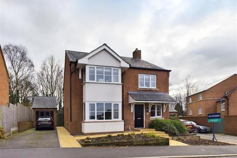 4 bedroom detached house for sale - Geneva Way, Biddulph, Stoke-on-Trent, ST8 7FE