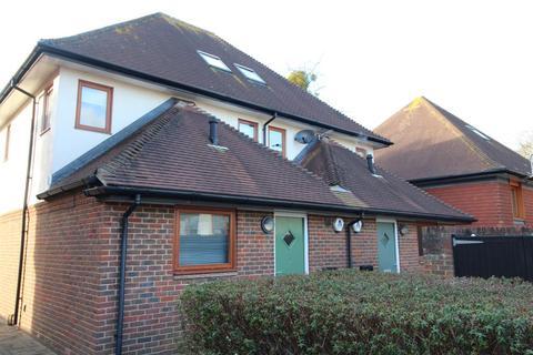 3 bedroom semi-detached house to rent - Lake Corner, New Milton, Hampshire, BH25 5GS