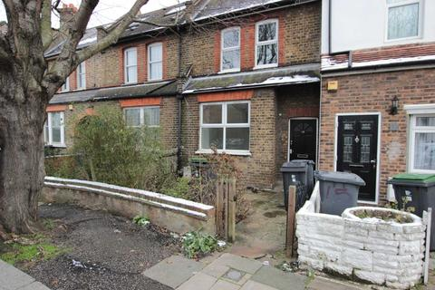 3 bedroom terraced house to rent - Brampton Road, Stamford Hill