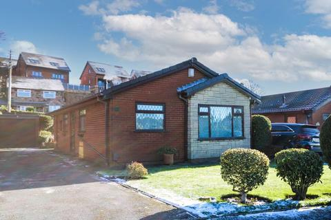 2 bedroom detached bungalow for sale - The Green, Stoke-On-Trent