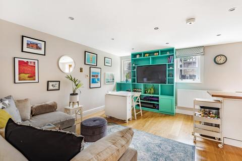 Harry Day Mews West Norwood 2 Bed Flat 425 000