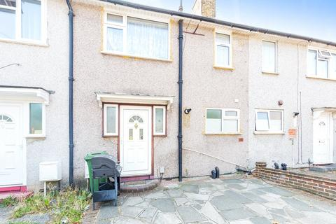 3 bedroom terraced house for sale - Romford, RM9