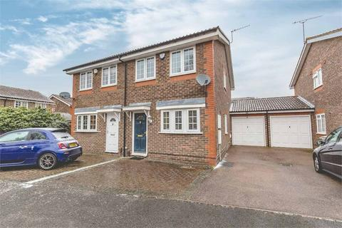 2 bedroom semi-detached house for sale - Kinnaird Close, Burnham, Berkshire