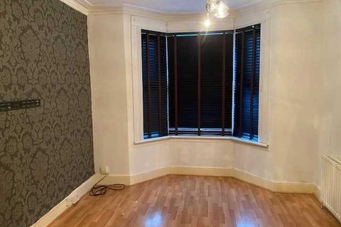 2 bedroom house to rent - Somerset Road, London