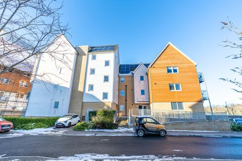 2 bedroom apartment for sale - The Shoreway, St. Mary's Island ME4