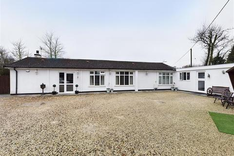 3 bedroom detached bungalow for sale - Desford Road, Enderby, Leicester, LE19 4AD