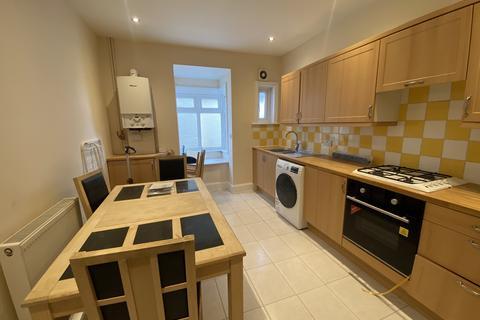 5 bedroom flat to rent - Mortimer Road, Bournemouth, Dorset