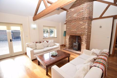 3 bedroom semi-detached house to rent - Poplars End Toddington