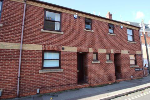 3 bedroom house to rent - Monard Terrace