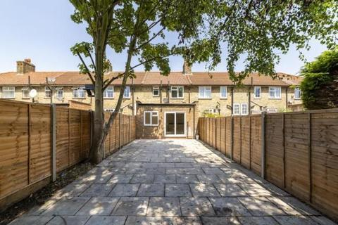 4 bedroom house to rent - Heathstan Road, London