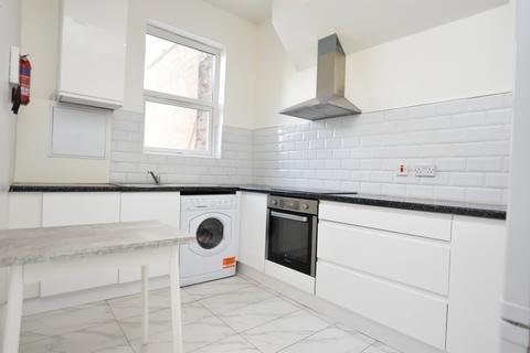 1 bedroom flat to rent - High street , E11