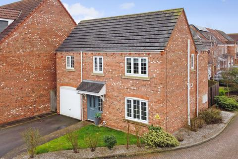4 bedroom detached house for sale - Mallard Close, York, YO10