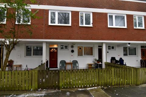 3 bedroom terraced house for sale - Fraser Court, London,SW11