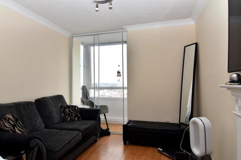 2 bedroom flat for sale - Eagle Heights, London, SW11