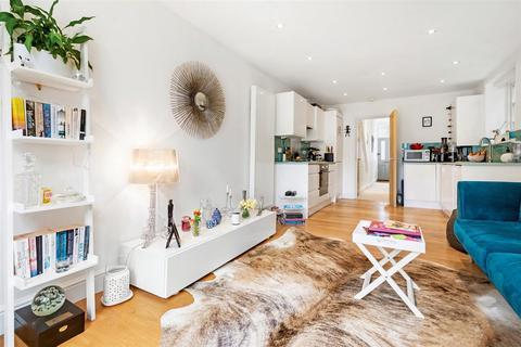 2 bedroom flat to rent - Balvernie Grove, SW18
