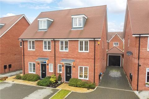 5 bedroom semi-detached house for sale - Westland Close, Haddenham, Aylesbury, Buckinghamshire, HP17