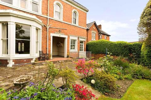 4 bedroom detached house for sale - Victoria Road, Oswestry, Shropshire, SY11