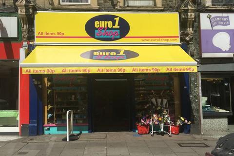 Shop to rent - Kilburn High Road, Kilburn, NW6