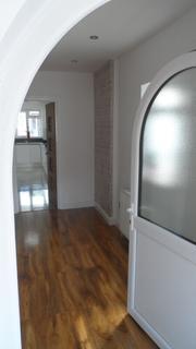 6 bedroom end of terrace house for sale - Warren Road, London, NW2