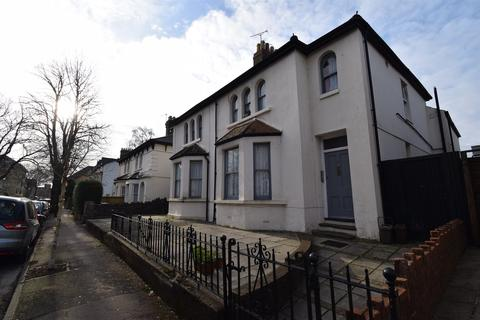 Studio to rent - Wordsworth Avenue, Flat 2, Roath, Cardiff