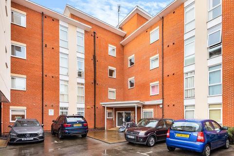2 bedroom flat for sale - Kerr Place,  Aylesbury,  HP21
