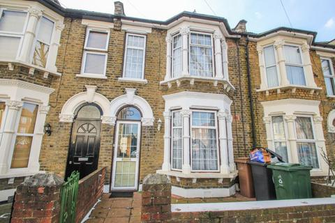 3 bedroom terraced house for sale - Connaught Road, Leytonstone, London, E11