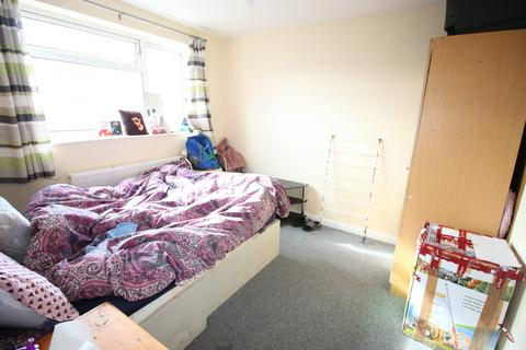 2 bedroom flat to rent - Sipson Road, West Drayton, Greater London, UB7