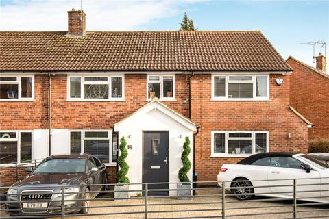 4 bedroom semi-detached house for sale - Dunston Hill, Tring, HP23