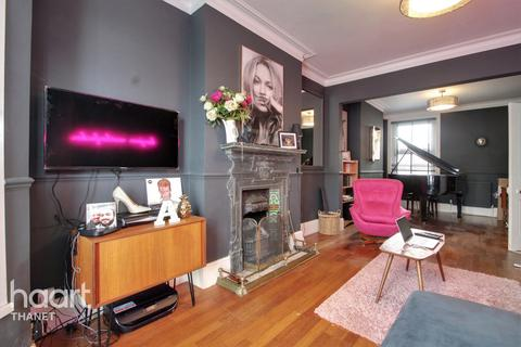3 bedroom semi-detached house for sale - Grosvenor Road, Broadstairs