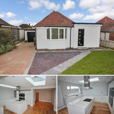 3 bedroom detached bungalow for sale - Maes Y Castell, Llanrhos