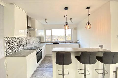 2 bedroom flat for sale - Eskdale Avenue, Chesham, HP5