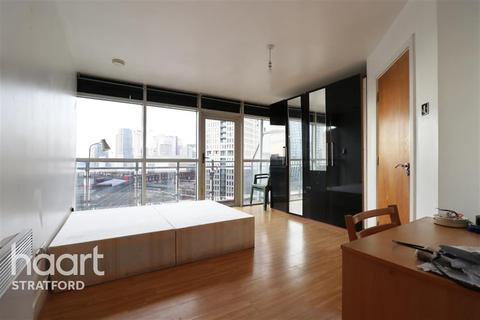 2 bedroom flat to rent - Gerry Raffles Square, Stratford, E15