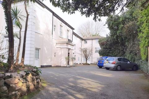 Studio to rent - Higher Woodfield Road, Torquay