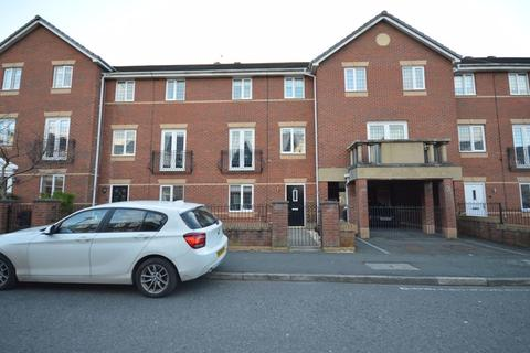 3 bedroom townhouse for sale - Upton Rocks Avenue, Widnes