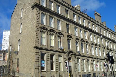 3 bedroom flat to rent - 10 3/1 Victoria Chambers, Victoria Road,