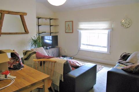 2 bedroom flat to rent - St Stephens Avenue, Shepherds Bush