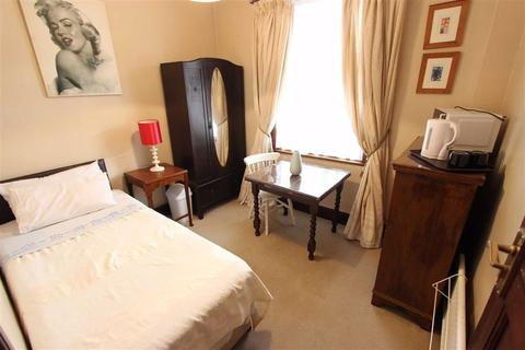 1 bedroom house share to rent - Kelvin Avenue, London, London