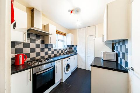 3 bedroom house to rent - Queensbridge Road, London